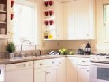 Làm sao đẻ làm sạch vết bẩn trên tủ bếp nhanh chóng (phần một)