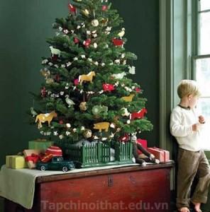 Trở về tuổi thơ với phong cách trang trí cây Noel đẹp