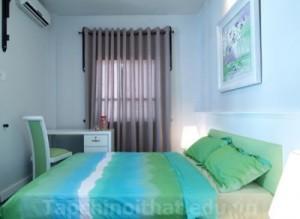 Phòng ngủ màu xang ngọc lục bảo độc đáo