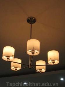 Sử dụng bóng đèn sợi đốt để làm ấm căn phòng