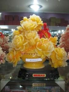 Trong các thế giới của vật phẩm phong thủy, hoa mẫu đơn được gọi là vật phẩm cho phú quý, tình duyên.