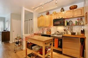 Nhà bếp phải được đảm bảo đầy đủ ánh sáng, không quá bí hay ngột ngạt