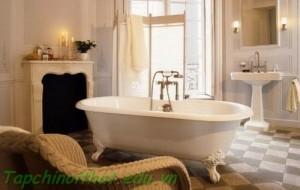 Phòng tắm thanh lịch với ánh sáng đèn