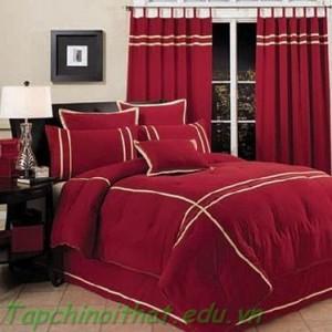 Phòng ngủ viền trắng và đỏ