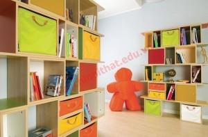 Giá sách đầy màu sắc có thể vừa làm đẹp không gian lại cung cấp dung lượng lưu trữ lớn.