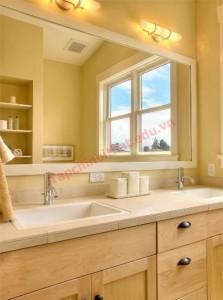 Một gợi ý khác dành cho phòng tắm chính là màu cam kem