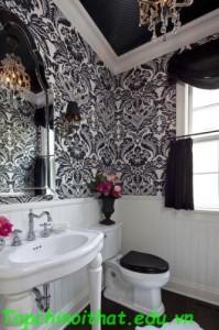Phòng tắm cổ điển trắng và đen