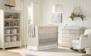 Phòng em bé màu xanh trắng