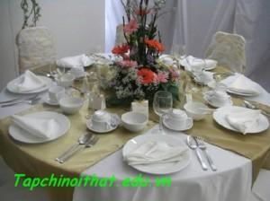 Chọn bát đĩa cho phòng ăn