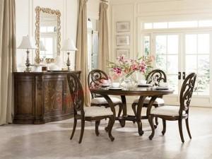 Bạn nên sử dụng bàn ăn hình tròn, không có góc cạnh.