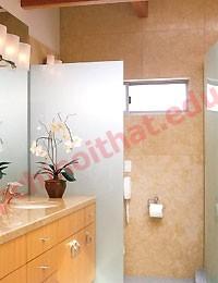 Nên cố gắng bố trí phòng tắm ở những khu vực có ánh sáng nhân tạo