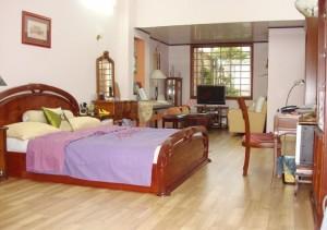 Phòng ngủ đẹp hơn với sàn gỗ.