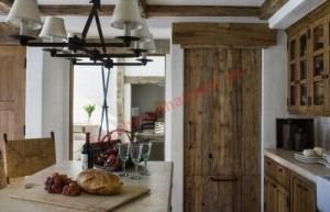 Những ngôi nhà bằng gỗ kết hợp với đá còn tạo ra một không gian tiện nghi, ấm áp và vô cùng gần gũi, thân thiện