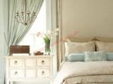 Tăng thêm vẻ lãng mạn cho phòng ngủ với những bông hoa đẹp mắt