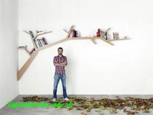 """""""Cây sách"""" lạ kỳ mọc trên tường"""