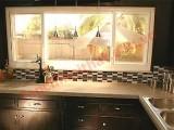 Không gian nhà bếp hiện đại thân thiện