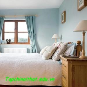 Phòng ngủ sang trọng với đồ gỗ mộc