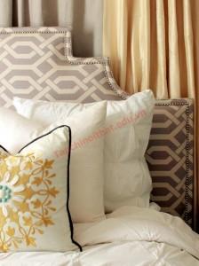 Đầu giường bằng gỗ và bọc đệm là hai lựa chọn tốt, đảm bảo những giấc ngủ ngon cho bạn mỗi ngày
