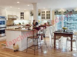 Thiết kế phòng bếp sang trọng hài hòa màu sắc